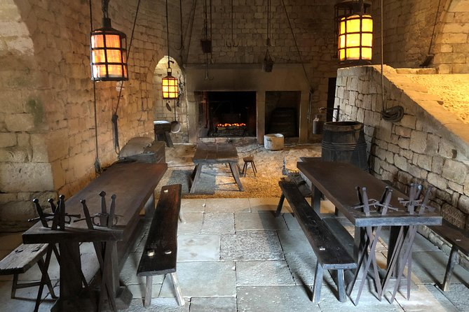 Half-day private tour from prehistory to the middle ages by EXPLOREO, Bergerac, FRANCIA