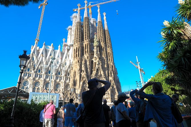 Explore the beauty of Barcelona on this Best of Barcelona Tour, which offers a comprehensive view of this exquisite Catalan city, including a visit to La Sagrada Familia. Perfect for first-time visitors, the tour will show you the city's most iconic sights and allow you to discover some of Barcelona's best-kept secrets. You'll enjoy skip-the-line access at La Sagrada Familia, so you can avoid the long queues at this popular attraction. You'll also visit the hill of Montjuïc and the Gothic Quarter. On this small-group tour, you'll receive personalized attention from your guide. <br><br> Please note: From January7th to January 13th, La Pedrera will be closed for maintenance. These are the regular works for maintenance performed annually and during the same dates. You will have the alternative to visit the Casa Batllo instead.