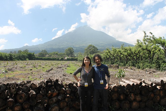 Do you want to learn more about the real culture of the surrounding villages of Antigua Guatemala?<br><br>This is the perfect opportunity to really see the local towns and to have a one-to-one experience. The tour has culture, beverages tasting and the chance to know great local people and learn about their colorful costumes.<br>We are sure you will enjoy this tour.