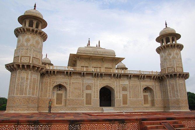 Language Tour Guide, Agra, India