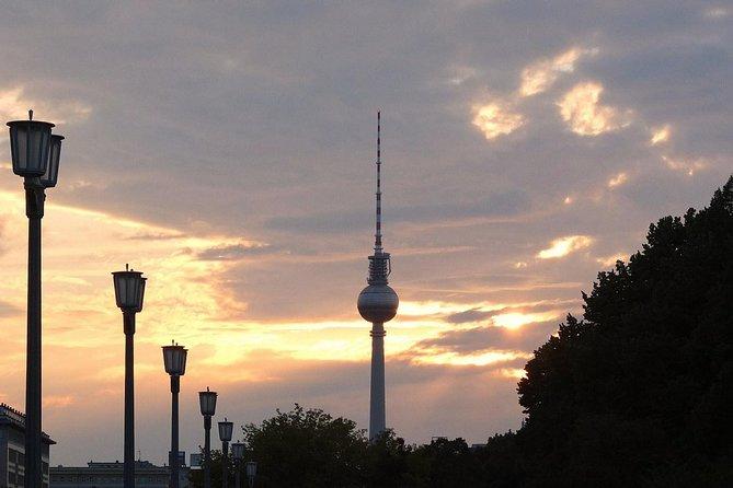 Berlin Wall and Cold War Private Bike Tour, Berlim, Alemanha