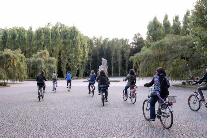 Berlin Wall and Cold War Private Bike Tour, Berlin, GERMANY