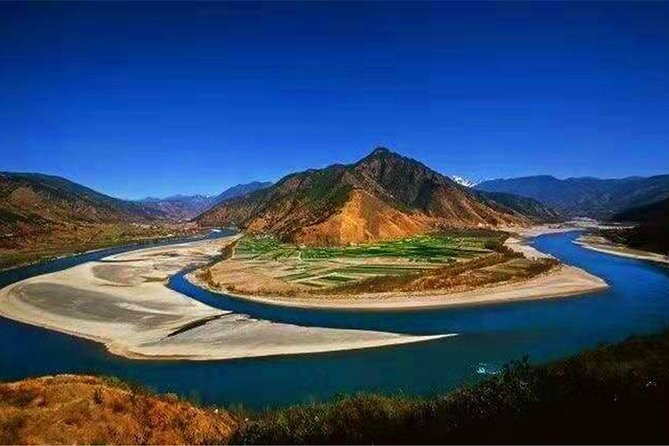 2 Days Tiger Leaping Gorge Hiking Group Tour, Lijiang, CHINA