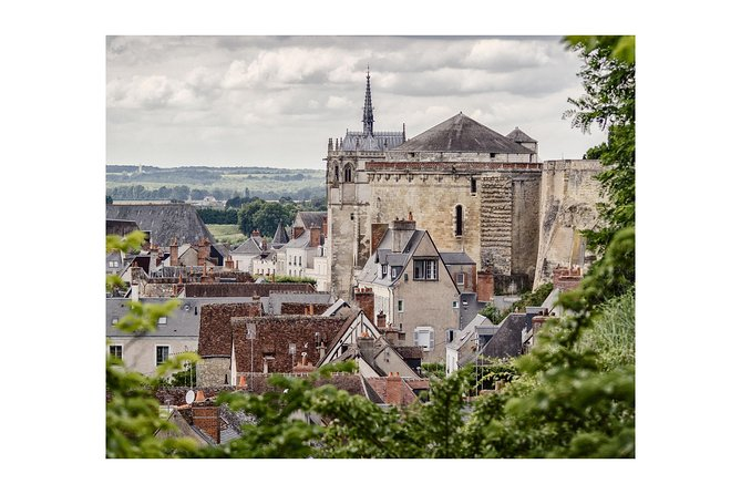 Develop your photography skills while capturing the magic of one of the most beautiful regions of France. With expert guidance and local knowledge this walking photography tour of Amboise with tuition by Mark Playle will ensure you get the best possible images from your visit. <br><br>A prize winning photographer, Mark has shot London Fashion Week, Le Mans 24hr and photographed Daphne Selfe, one of the world's top Supermodels. Combining his passions for Photography, Teaching and France, Mark founded Photograph France in 2010.<br><br>Join us for a bespoke one to one or small group masterclass for the beginner or a photography tour for the seasoned photographer.<br><br>Customised tours are available for an additional fee. Contact us for details.<br><br>