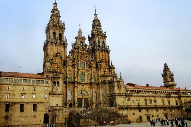 Porto: Santiago de Compostela and Valença do Minho Day Trip with Lunch, Oporto, PORTUGAL