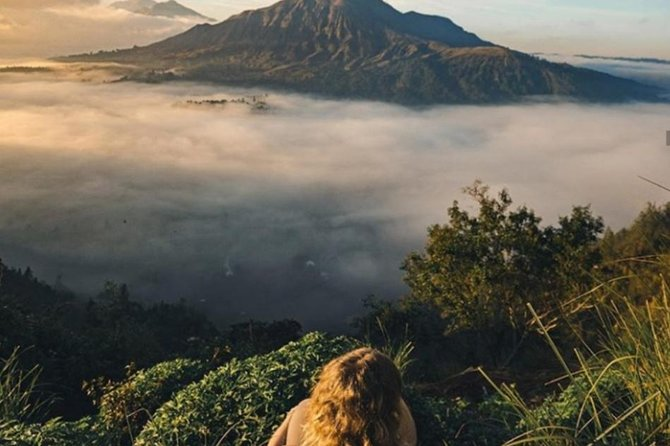 Batur Sunrise Trek and Hot Springs<br>One of our most popular tours, you will enjoy the sunrise from the summit of Mount Batur in the morning, guided by an experienced local guide who will explain about the area. While enjoying the sunrise at the top you can enjoy breakfast by boiling eggs, bananas, by planting it in the sand and in 5 minutes it will ripen itself, after enjoying the beauty of the summit, you will prepare to go down the mountain, while enjoying the beauty of the mountain to continue the journey to the bath hot Spring.<br><br>The Natural Hot Spring<br>Two natural hot tubs, the perfect place for all family members to relax completely. Heated deep in the earth, these air minerals are colorless and odorless. Natural Hot Spring is a favorite stop for all types of adventurers from the Kintamani area to tourists and health seekers. The swimming pool will be the perfect place to swim after you trekking, you can canoe, or swim, to let go of fatigue and relax before returning to the hotel.
