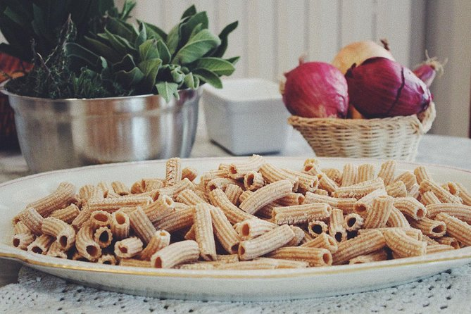 Private Homemade Pasta Making and Traditional Italian Meal in a Family Villa, Milan, ITALIA