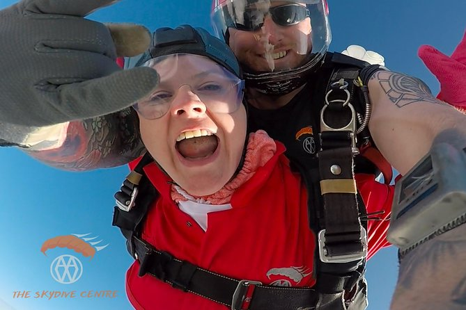 There is no better way to enjoy the stunning coastline of Pembrokeshire than by climbing to 10,000 ft while flying around it. You are even able to take int he coast line of Ireland from 4,000 on a clear day. Once you are at altitude then there is no better or quicker way down than a Tandem Skydive.