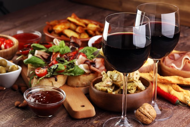 The art of the Italian Aperitivo with a local: Learn & Enjoy in Parma, Parma, ITALIA
