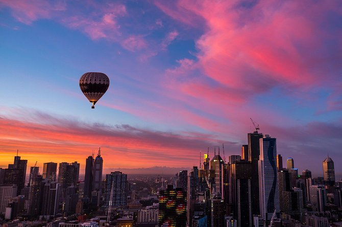 Come on a magical hot air balloon flight over Melbourne - there is no other major city in the world that you can soar above in a hot air balloon! Admire Melbourne's city skyline at early dawn as your balloon flies for approximately one hour and then toast your good fortune with an optional champagne breakfast. Your Melbourne balloon flight includes complimentary hotel pick-up for your convenience.