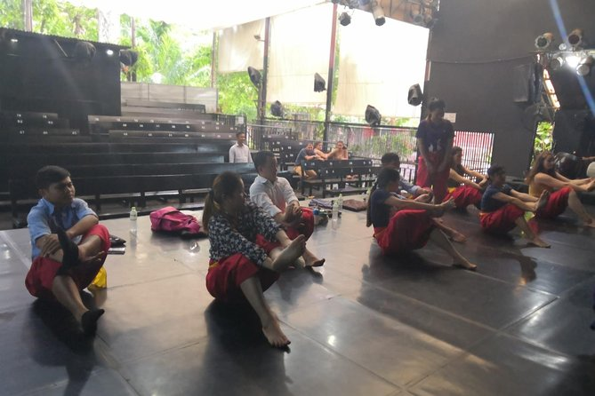- Dancing workshop @3pm with our professional trainer about type of Cambodia Traditional Dancing and learning about its mean.<br><br>- Enjoy the dinner at Friend Restaurant which is one of Cambodia's longest running <br><br>- Enjoy a wonderful Transitional & Apsara show