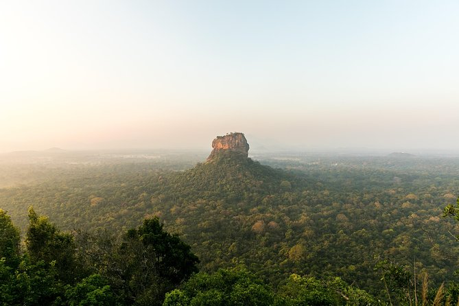 (SKU: LK10CAW011) Visit UNESCO World Heritage Sites.Visit the Sacred Temple of the Tooth Relic.Enjoy the turquoise blue beach in Nilaveli. Learn about Sri Lanka's Arts & Crafts and walk through ruins of Ancient Kingdoms.