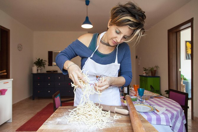 Small Group Market tour and Cooking class in Assisi, Assisi, ITALIA