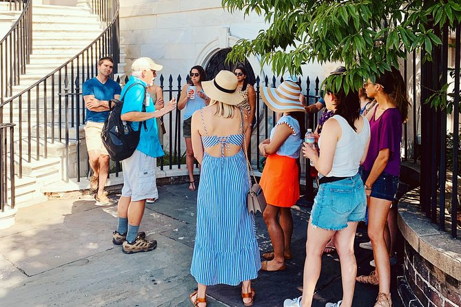 Join your knowledgeable and engaging licensed local tour guide for a relaxing 2-hour stroll through the quaint and charming streets of the historic district, all the while learning about the people and events that shaped Charleston.