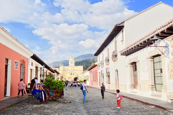 """Private off-shore excursion specially designed for cruisers arriving at the port """"Puerto Quetzal"""" to visit the city which once was the capital of Central America: Antigua Guatemala.<br>Certified bilingual guide and minivan/bus with authorization to pick up travelers at the port.<br>"""