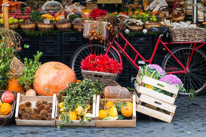 "Would you like to discover the most authentic side of Italian gastronomy and share it with other enthusiasts of the ""cucina italiana""?<br>Enjoy this shared Market tour and typical Dining experience.<br>Visit the vibrant local market and learn about the seasonal produce and secret ingredients.<br>Then, head to your Cesarina's house to enjoy a 3-course dining experience, showcasing the authentic regional dishes stored in the cookbooks of your host.<br>You will take part in an experience which is so much more than just a lunch or dinner. You will make new friends, feel like one of the family and live like the Italians do.<br>"