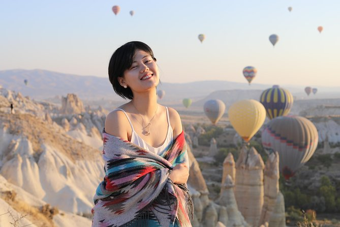Photo Shoot in Cappadocia in Vintage car, Goreme, TURQUIA