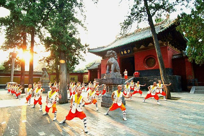 MÁS FOTOS, 2-Day Private Trip from Xi'an with Hotel: Shaolin Temple and Longmen Grottoes
