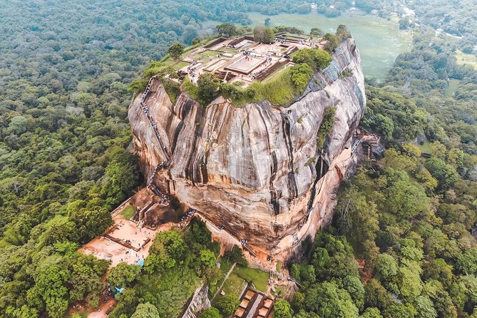 MAIS FOTOS, Sigiriya Rock Fortress and Cave Temples Private Day Trip