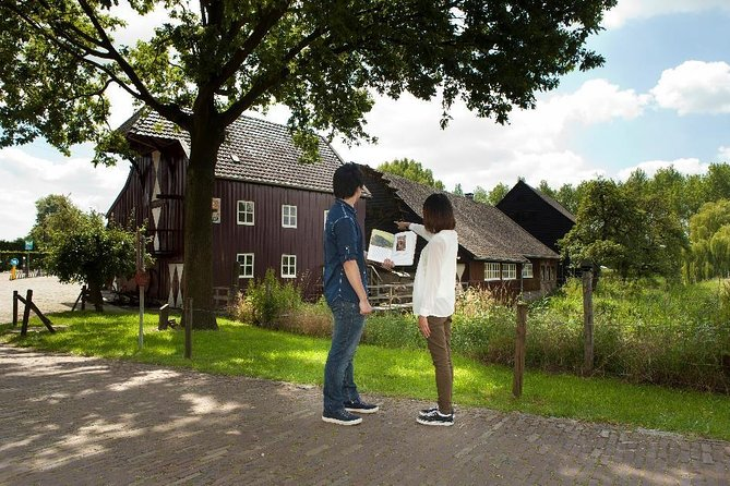 Walk in the footsteps of Vincent van Gogh. You can actually do that in Nuenen! What makes it so special is that you can see and experience the stories about Van Gogh, his letters and his paintings from the very same spot.