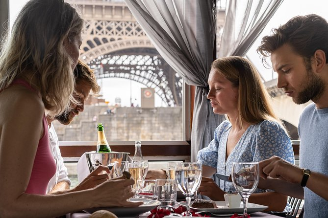 Lunch Seine River Cruise with 3-Course Gourmet Meal, Paris, FRANCE