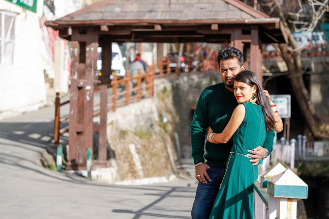 Which is the first thing that comes to your mind while traveling to Shimla? <br>The best thing that we can assure you to do on your next trip to Shimla is book a 60 minutes private photoshoot with professional photographers of VsnapU where you get a chance to bring out the model within you and make you adore your special moments like family gatherings, bachelorette parties, honeymoon, office trips and lot more. The best thing which you can do here is to be your own director and create your own looks for the photos. We will shoot at the best locations of Shimla like Patong Beach giving you the natural-looking, documentary-style moments.<br>A photoshoot can also be done in your scenic Shimla Resort ** allowing you more flexibility and convenience ** (permission required from resort management)