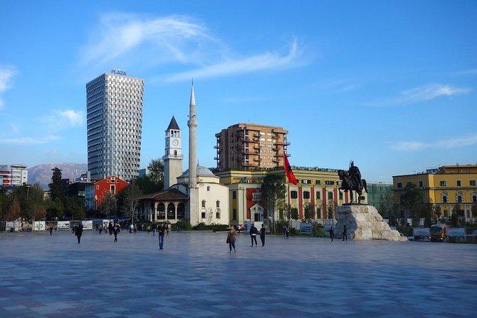 Excursão turística a pé pela cidade de Tirana, Tirana, Albânia