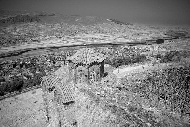 Berat (UNESCO) and Apollonia Ancient City tour !, Tirana, Albânia