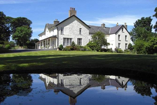 Book this luxury two night stay at Plas Dinas Country House - Tuesday until Thursday. During your stay a six-course dinner will be provided as well as high tea with prosecco once per stay. Accommodation in a Classic Room