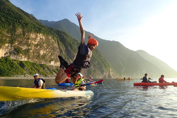Sea Kayaking at Qingshui Cliff Hualien(Sunrise 03:30am)including pick up service, Hualien, TAIWAN