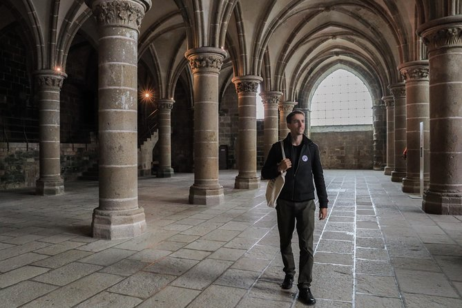 Mont-St-Michel Independent Day Tour with Optional Audio Guide from Paris, Paris, FRANCIA