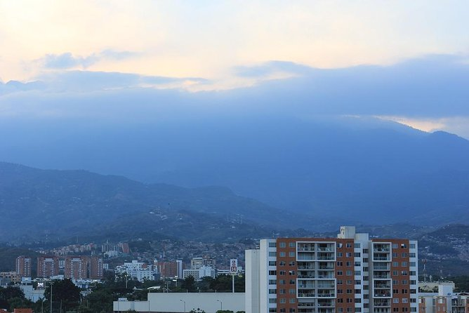 Departure Private Transfer from Cali City to Cali Airport CLO by 2x4 Vehicle, Cali, COLOMBIA