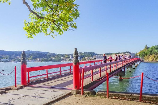 """Matsushima, one of the three greatest views in Japan, consists of 260 islands is famous for its great view!<br>There are three beautiful red bridges in Matsushima. Each is known as """"the bridge of separation"""" """"the bridge of marriage"""" and """"the bridge of start of love"""". You will definitely get lucky if you cross those bridges under the name of events which mark the stages of your life!<br>A breathtaking view is waiting for you after crossing the bridge! The iconic view of Matsushima made from islands and ocean is amazingly beautiful.<br> You will also get on a cruise boat which is a must for Matsushima sightseeing! You can take a look at the bridges and islands from the bay on the boat!"""
