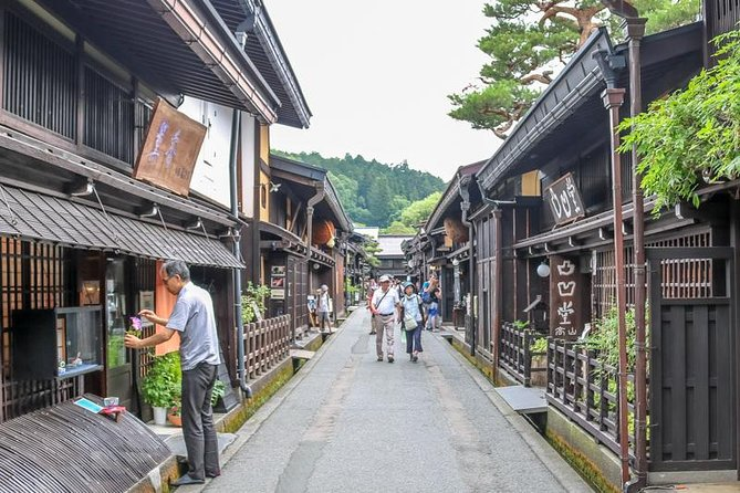 Welcome to Takayama, a mountainous city in Gifu. In this plan, we introduce the highlights of Takayama which you must see. First stop is the morning market, full of vegetables, fruits, and fish. Enjoy talking to the locals with support from your guide.<br>Next is the village with a private house stored, a national heritage, Shirakawa-go. The main spot is where old wooden architecture are lined up. An exciting walk through the row of sake breweries and craft shops.<br>Finally, traditional pottery and wooden furniture stores. It has a contemporary design while preserving traditional techniques. Find your favorite item!<br>If you want to see the best spots and be efficient, this plan is for you.