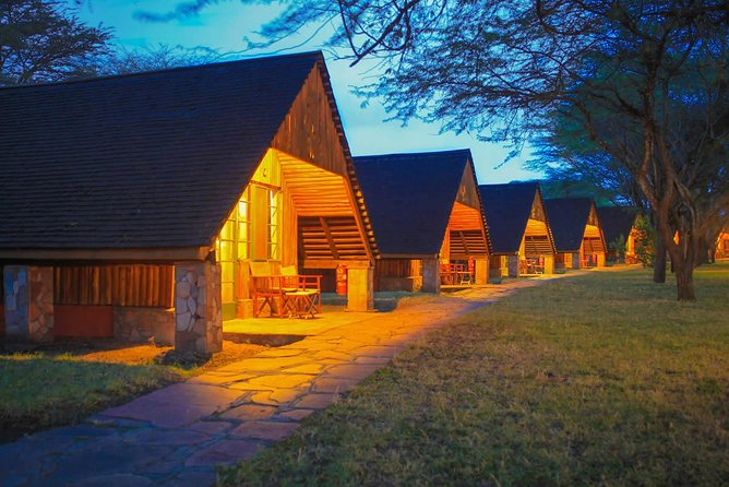 This Tour Is unique Because.<br>KEEKOROK is the only luxurious 5 star lodge in the middle of Maasai mara.<br>This is also a private tour for your group Only.<br>The location of the lodge makes it closer to do game drives and spot the animals.<br>Masai Mara Reserve is the most popular tourism destination in Kenya. Located in the Great Rift Valley in primarily open grassland. Its regarded as the jewel of Kenya's wildlife Viewing areas. The annual wildebeest's migration alone involves over 1.5 million animals arriving in July and departing in November. Hardly can a visitor miss to spot the big five. The phenomenal wildebeest migration which is a spectacular event only seen in Maasai Mara is the the wonder of the world.