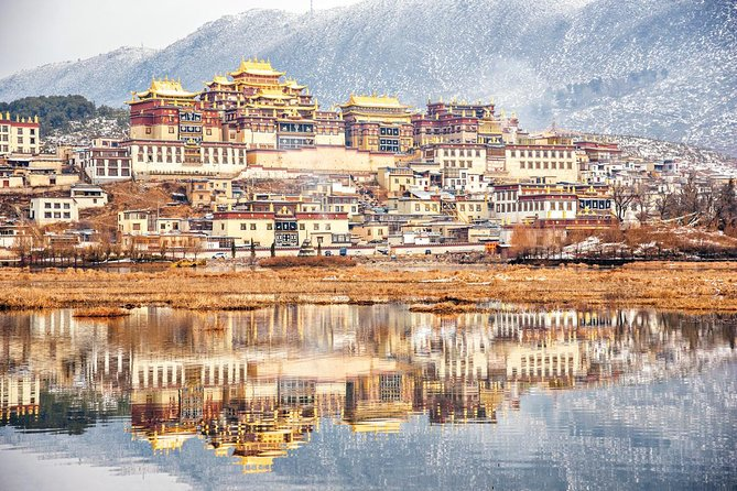 Private overnight tour to auspicious land Shangri-la, Lijiang, CHINA