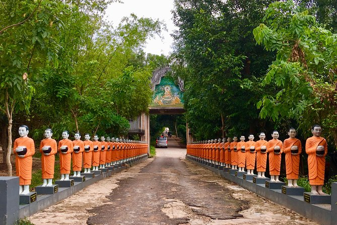 Excursion Phnom Penh full day private tours is the best tours choice in Phnom Penh of the most popular attractions in Phnom Penh as Royal Palace, Silver Pagoda, Wat Phnom, Toul Sleng Genocide Museum , Wat Oudnaloum, Independence Monument, Cheung Ek Killing Field, Russian Market and Central Market.