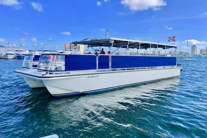 Sit back and kick your feet up and enjoy our 2 1/2 hour narrated tour where the Captain explains some local history of Jupiter before making his way up the Atlantic Intracoastal Waterway alongside the incredible Jupiter Island highlighting the homes of the rich and famous.<br><br>See the single most concentration of wealth in America. Drinks are available upon request for a purchase price, or you can purchase the beverage packed for $10 more per guest. The beverage package would include unlimited beer, wine, soft drinks, snacks and a fresh fruit platter.<br>