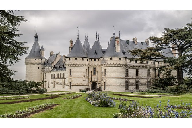 Develop your skills while capturing the magic of Château Chaumont.<br><br>Our expert guidance and local knowledge ensure you will get the best possible images from your visit. Capture the details many miss. Suitable for all camera types from DSLR, Mirrorless, Point & Shoot to Mobile Phone and Tablet. <br><br>Your guide, tutor and local resident, Mark Playle is a prize winning photographer who has shot London Fashion Week, Le Mans 24hr and photographed Daphne Selfe, one of the world's top Supermodels. His work has been displayed at The Photography Show in the UK and at FESPA in Hamburg. Combining his passions for Photography, Teaching and France, Mark founded Photograph France in 2010.<br><br>Customised tours are available for an additional fee. Contact us for details.