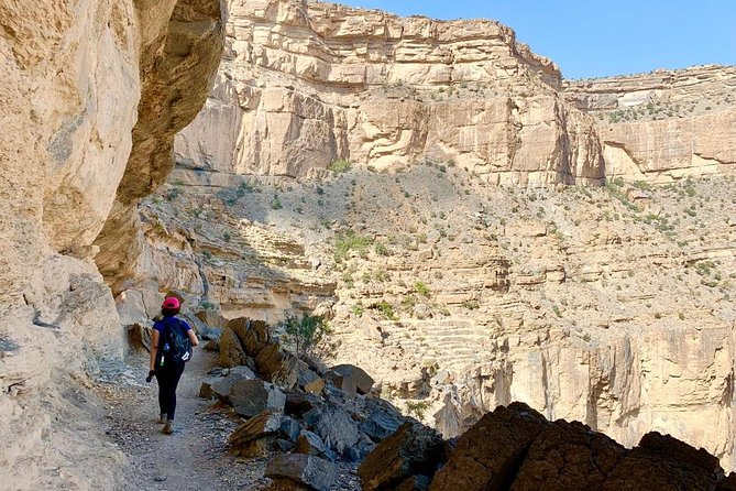 This is the perfect chance to see more of Jebal Shams and the stunning scenery Oman has to offer. The homemade Omani lunch allows you to experience the warm hospitality of locals which Oman prides itself on.
