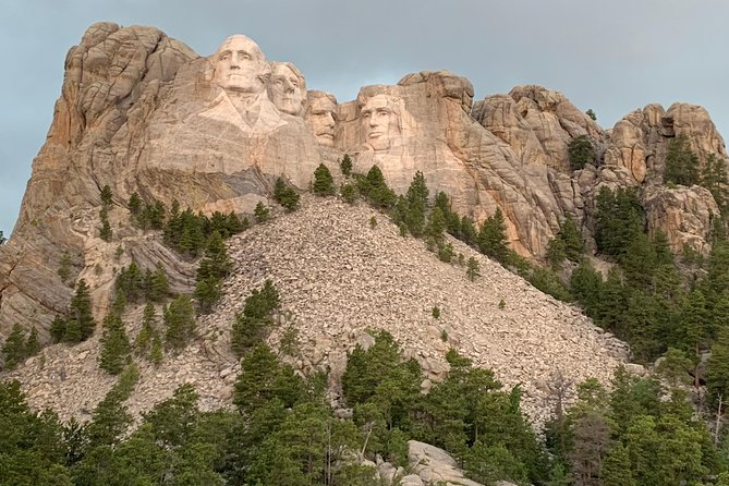 This tour gives you incredible in-depth knowledge of the Flume Trail, the Black Hills and Mount Rushmore. <br><br>There is a two person minimum to book this tour.