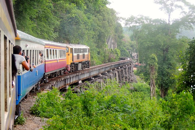 River Kwai in Brief, Kanchanaburi, Tailândia