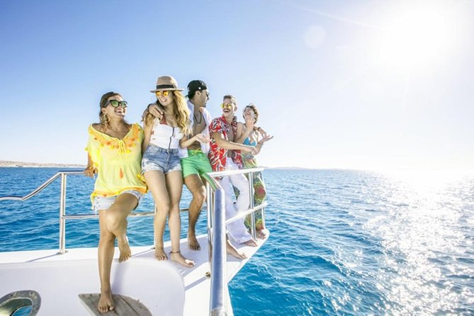 Visit the magical Giftun Island National Park. Enjoy snorkeling on amazing coral reefs with a variety of beautiful fish and swim with dolphins and partake in exciting water sports. Take your delicious lunch on the boat.<br>