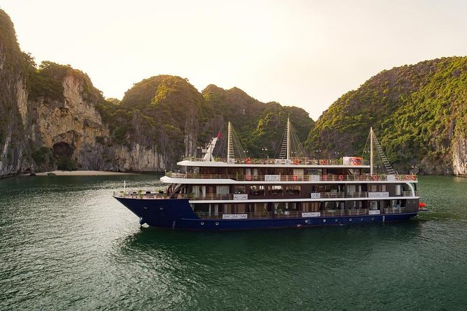 All-Inclusive: 2 Nights on BEST CRUISES (BALCONY Cruises), Hanoi, VIETNAM