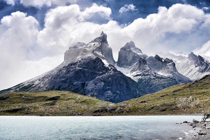 Experience an unforgettable day full of breathtaking lakes, stunning mountains, and glaciers. Our private vehicle will take you on a one-day tour to Torres del Paine National Park.