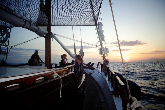 MÁS FOTOS, Swim, Fun at Rhenia and Iconic Sunset View!