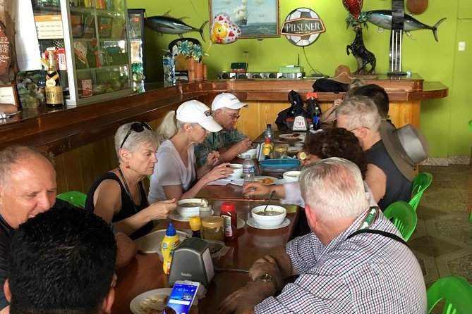 The rain forest, surroundings & lunch., Manta, Equador
