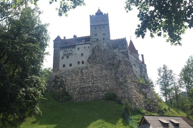 Private Day Trip to Peles Castle, Dracula's Castle and Brasov, Bucarest, RUMANIA