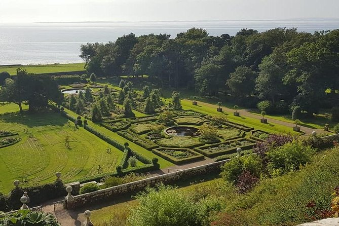 Visit Dunrobin Castle, most northerly of Scotland's great houses and the largest in the Northern Highlands with 189 rooms!<br><br>This castle dates back to the early 1300s and is considered unusual for its visual look, resembling a French chateâu.<br><br>Come book this tour and let Friendly Highland Tours take you up north to the east coast of the Northern Highlands overlooking the Moray Firth, situated just north of the villages of Golspie and Dornoch.