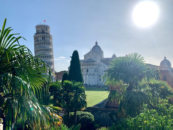 Let's visit Lucca and Pisa in 1 day! On board our shuttle bus with our expert excort you will easly let you reach and visit this 2 cities.<br>We grant you the return on time at the cruise ship!<br><br>Once you will arrive in Lucca our escort will lead you trough the most important lendmarks like the Torre Guinigi, the Anfitatro square and the san Frediano Church, at the end you will have some free time; if you wish you can add to your guided tour a typical lunch in the city center.<br><br>Fall in love with Pisa and the amazing Piazza Dei Miracoli: the most popular attraction in Pisa where you will have free time to visit the Leaning Tower, the Cathedral and the Baptistery or realaxing In the green meadow under the shadow of one of this monument. Included in your excursion you have an ice cream in the city center!<br><br>You can add to your excursion a typical lunch in Lucca or if you prefer visiting Lucca on your own you can chose the Low Cost Option that includes only the transfer.<br>